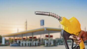 Jak oszczędzać paliwo? 6 porad na mniejsze spalanie