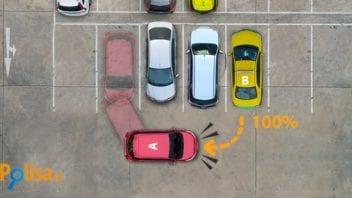 Stłuczka podczas cofania na parkingu